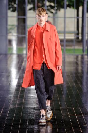 Показы мод John Galliano Весна-лето 2014 | Подиум на ELLE - Подиум - фото 3508