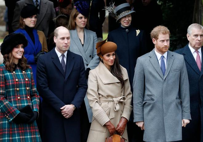 Рождество по-королевски: как украсили елку во дворце Кейт Миддлтон и Меган Маркл (фото 5)