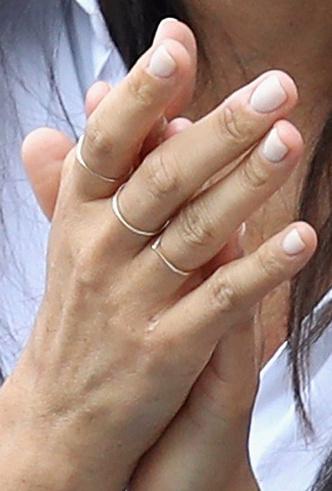 Почему Кейт Миддлтон никогда не красит ногти ярким лаком? фото [16]