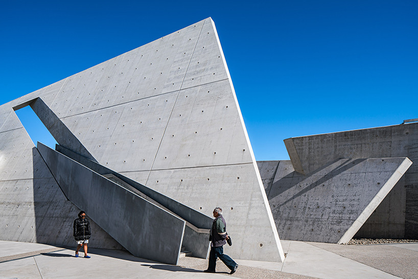 Монумент памяти холокоста по проекту Даниэля Либескинда | галерея [1] фото [5]