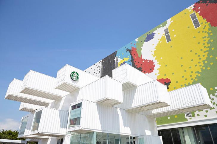 Дом из контейнеров: Starbucks по проекту Кенго Кумы (фото 0)