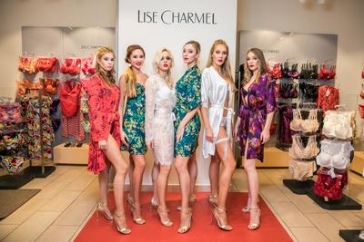 Екатерина Климова, Альбина Джанабаева, Согдиана и другие на показе Lise Charmel (галерея 1, фото 0)