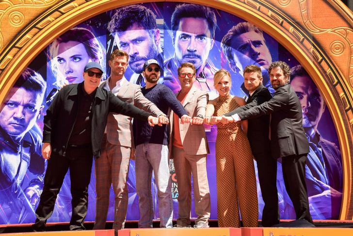 Скарлетт Йоханссон и другие «Мстители» на церемонии в кинотеатре TLC (фото 4)