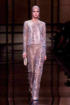 Показ Giorgio Armani Privé коллекции сезона Весна-лето 2014 года haute couture - www.elle.ru - Подиум - фото 574947