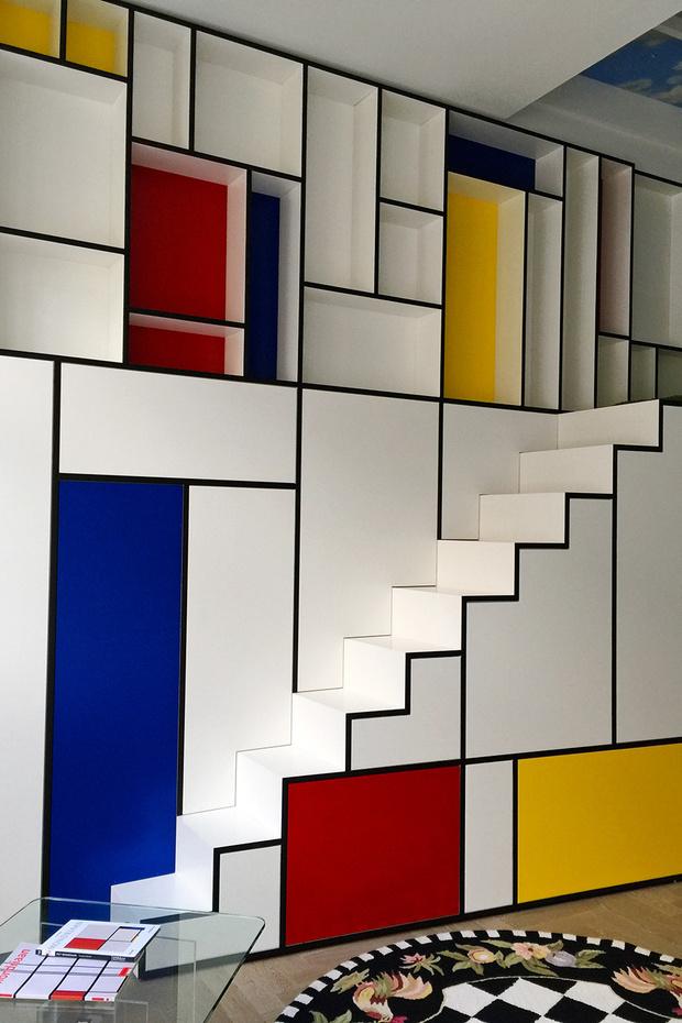 Интерьер номера The Mondrian Room