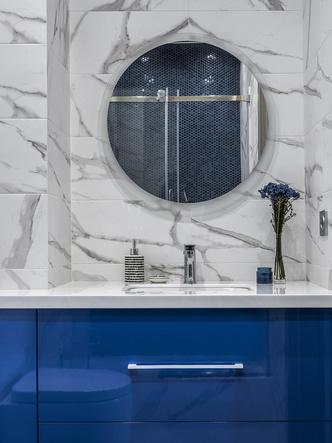 Этюд в синих тонах: двухкомнатная квартира в Москве (фото 8.1)