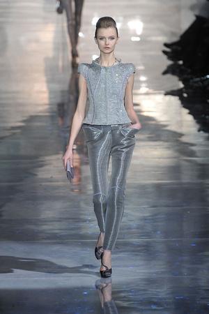 Показ Armani Prive коллекции сезона Весна-лето 2010 года Haute couture - www.elle.ru - Подиум - фото 138160