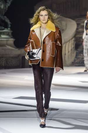 Показ Louis Vuitton коллекции сезона осень-зима  2018-2019 года Prêt-à-porter - www.elle.ru - Подиум - фото 717011