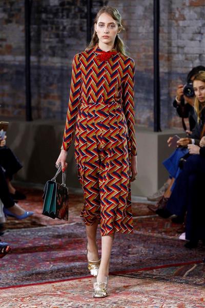 Дом Gucci представил новую круизную коллекцию 2016   галерея [2] фото [60]