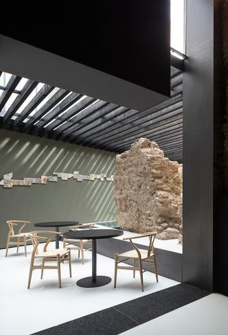 Связь времен: ресторан Sucede в Валенсии (фото 8.1)