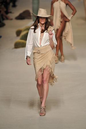 Показы мод Hermes Весна-лето 2009 | Подиум на ELLE - Подиум - фото 3306