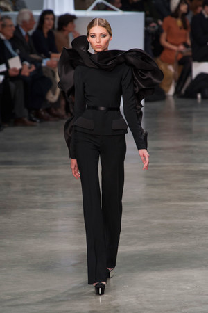 Показ Stephane Rolland коллекции сезона Весна-лето 2013 года Haute couture - www.elle.ru - Подиум - фото 479756