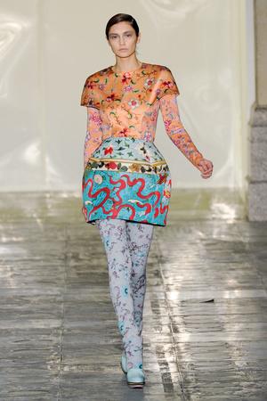 Показы мод Mary Katrantzou Осень-зима 2011-2012 | Подиум на ELLE - Подиум - фото 2269