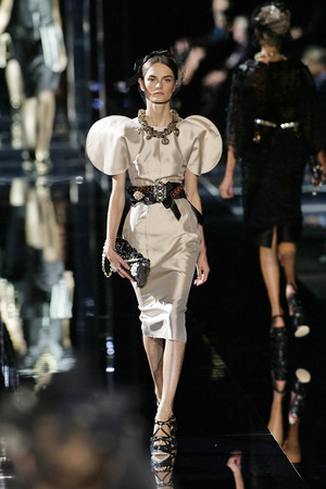 Показ Dolce & Gabbana коллекции сезона Весна-лето 2009 года Prêt-à-porter - www.elle.ru - Подиум - фото 81500