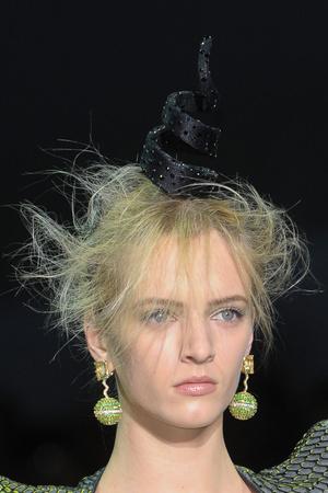 Показ Giorgio Armani Privé коллекции сезона Весна-лето 2012 года Haute couture - www.elle.ru - Подиум - фото 331689