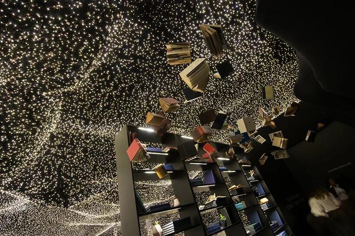 250 000 led-огней украшают ресторан Interstellar в Мехико (фото 10)
