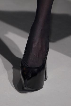 Показ Vivienne Westwood коллекции сезона Осень-зима 2013-2014 года Prêt-à-porter - www.elle.ru - Подиум - фото 540179