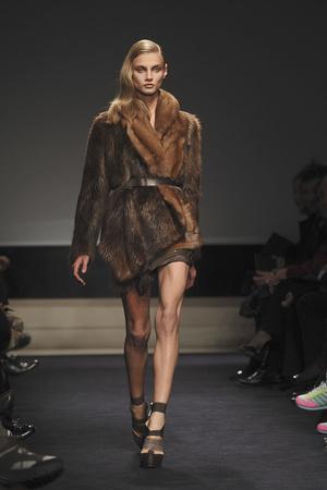 Показы мод Alessandro Dell Acqua Осень-зима 2009-2010 | Подиум на ELLE - Подиум - фото 3190