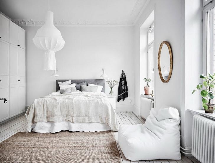 Маленькая спальня: 7 практичных решений (фото 31)
