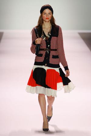 Показы мод Milly by Michelle Smith Весна-лето 2011 | Подиум на ELLE - Подиум - фото 2627