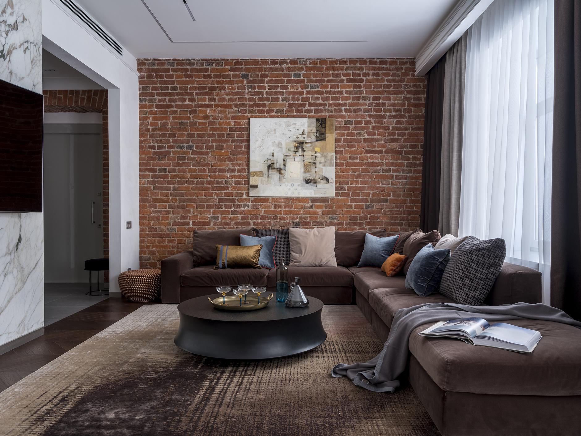 Большие диваны в гостиной (галерея 0, фото 8)