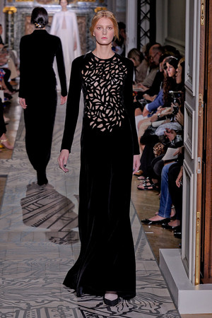 Показ Valentino коллекции сезона Осень-зима 2011-2012 года haute couture - www.elle.ru - Подиум - фото 278535