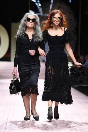 В духе Met Gala: звездопад на показе Dolce&Gabbana (фото 6.1)