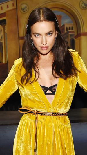 Ирина Шейк стала звездой показа Bottega Veneta (фото 4)