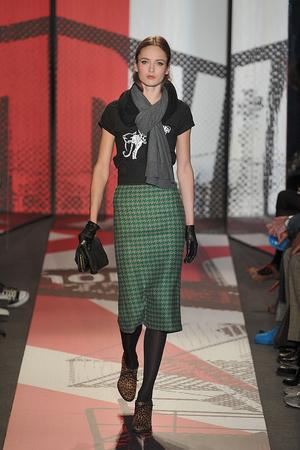 Показ DKNY коллекции сезона Осень-зима 2009-2010 года prêt-à-porter - www.elle.ru - Подиум - фото 90002