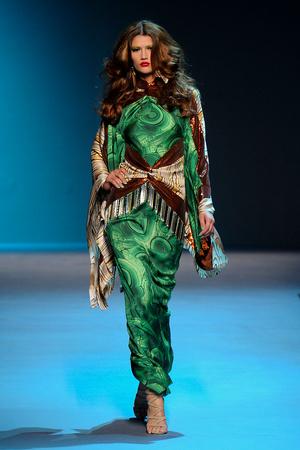 Показ Christian Dior коллекции сезона Осень-зима 2011-2012 года Haute couture - www.elle.ru - Подиум - фото 277097