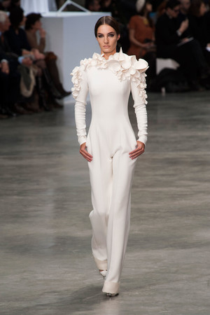 Показ Stephane Rolland коллекции сезона Весна-лето 2013 года haute couture - www.elle.ru - Подиум - фото 479751