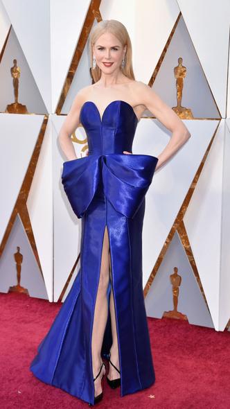 Самые яркие платья церемонии «Оскар — 2018» (фото 1.1)