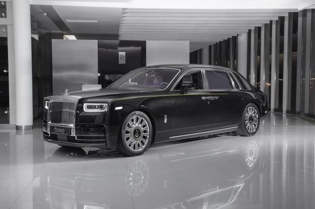 В единственном экземпляре: Rolls-Roys представил коллекционный автомобиль в России (фото 1)