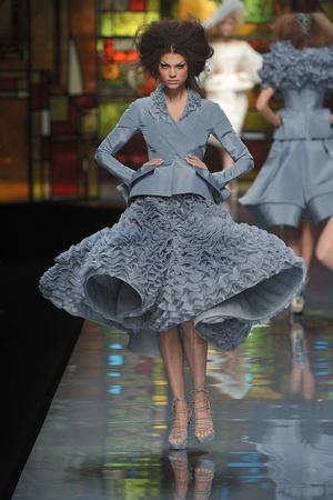 Показ Christian Dior коллекции сезона Весна-лето 2009 года Haute couture - www.elle.ru - Подиум - фото 86394