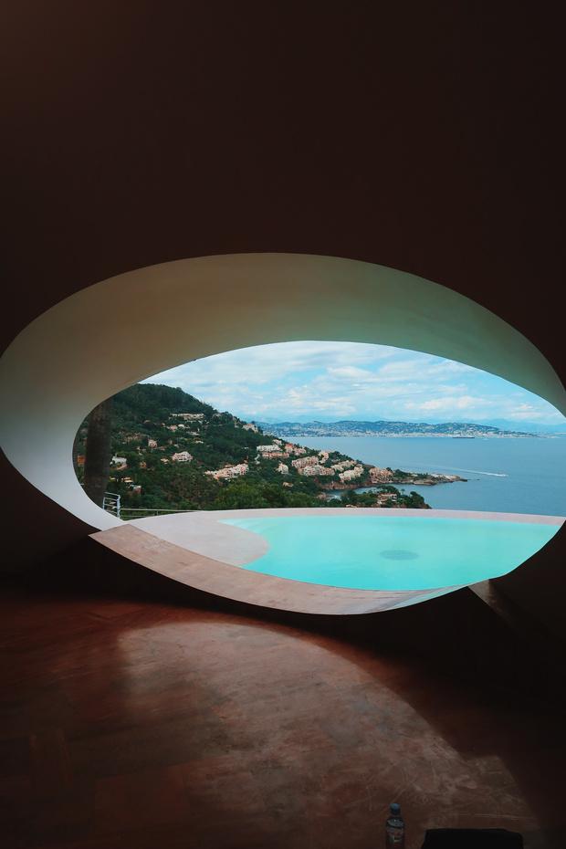 Дом-пузырь Пьера Кардена (фото 5)