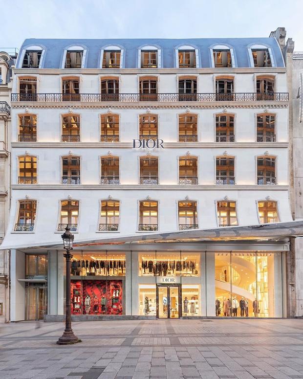 Новый бутик Dior на Елисейских полях (фото 0)