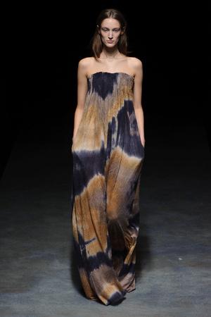 Показ Yiqing Yin коллекции сезона Весна-лето 2014 года Haute couture - www.elle.ru - Подиум - фото 575315