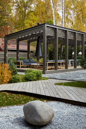 Беседки и павильоны для дачи: 10 проектов российских архитекторов (фото 12.1)