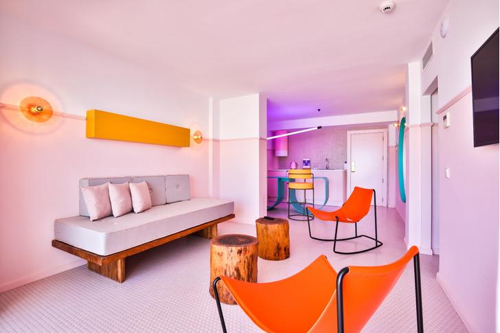 Американский модернизм и группа «Мемфис» в отеле на Ибице (фото 11)