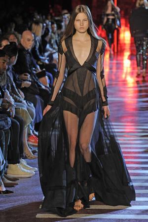 Показ Alexandre Vauthier коллекции сезона Осень-зима 2014-2015 года Haute couture - www.elle.ru - Подиум - фото 585222