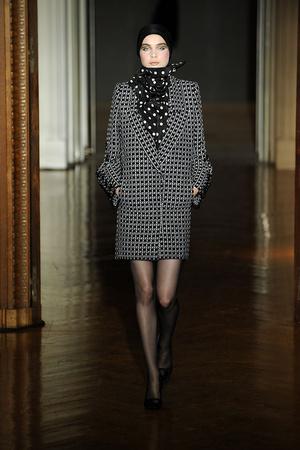 Показы мод Christian Lacroix Осень-зима 2009-2010 | Подиум на ELLE - Подиум - фото 3269