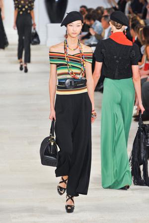 Показы мод Ralph Lauren Весна-лето 2013 | Подиум на ELLE - Подиум - фото 1209