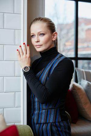 Юлия Пересильд примерила новые часы Rado HyperChrome Diamonds (фото 2.1)