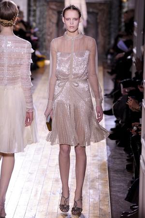 Показ Valentino коллекции сезона Весна-лето 2011 года Haute couture - www.elle.ru - Подиум - фото 217296