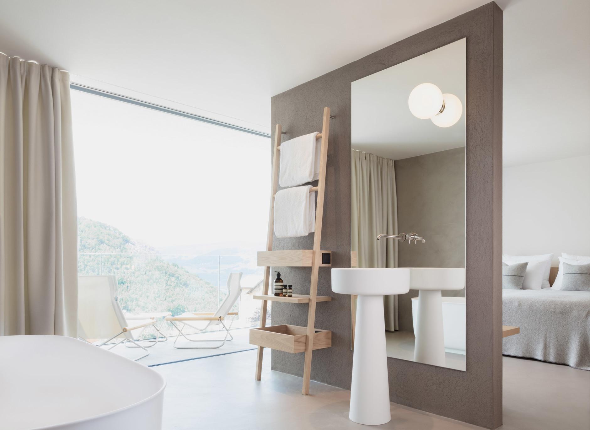 Жилец вершин: минималистский отель в Доломитах (галерея 6, фото 0)
