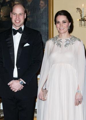 Настоящая принцесса: беременная Кейт Миддлтон затмила всех на приеме в Норвегии (фото 4)