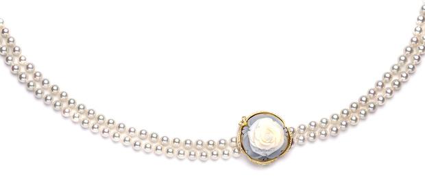 Колье La Rose de la Reine, желтое золото, жемчуг, бриллианты, Breguet, 1 103 000 руб.