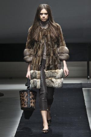 Показ Simonetta Ravizza коллекции сезона Осень-зима 2011-2012 года prêt-à-porter - www.elle.ru - Подиум - фото 242662
