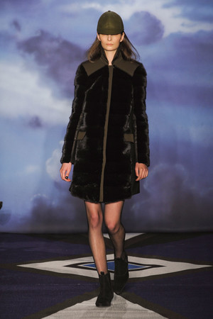 Показ Jen Kao коллекции сезона Осень-зима 2012-2013 года prêt-à-porter - www.elle.ru - Подиум - фото 338070