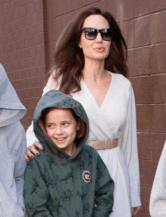 Фото дня: Анджелина Джоли с детьми в Нью-Йорке (фото 4)